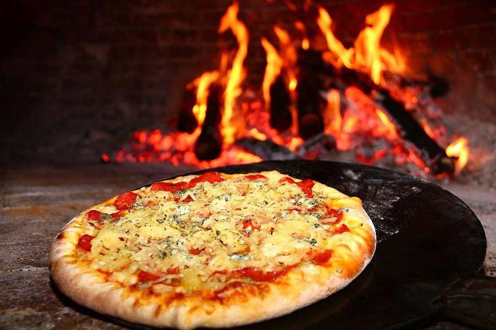 Forno a lenha para pizzaria