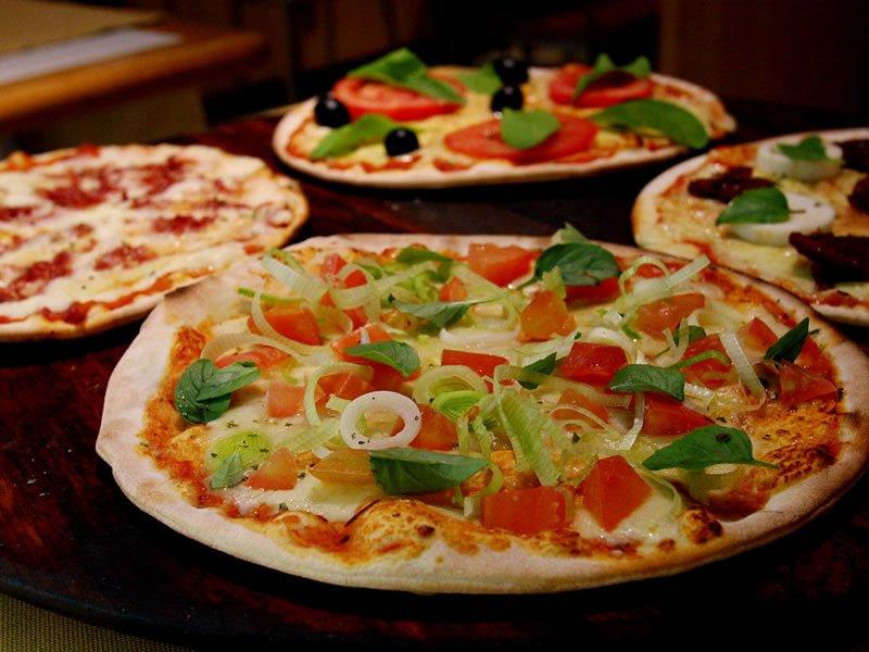 Como montar uma pizza