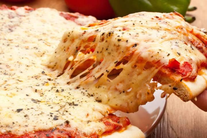 Aprenda a calcular a quantidade de pizzas para qualquer número de pessoas