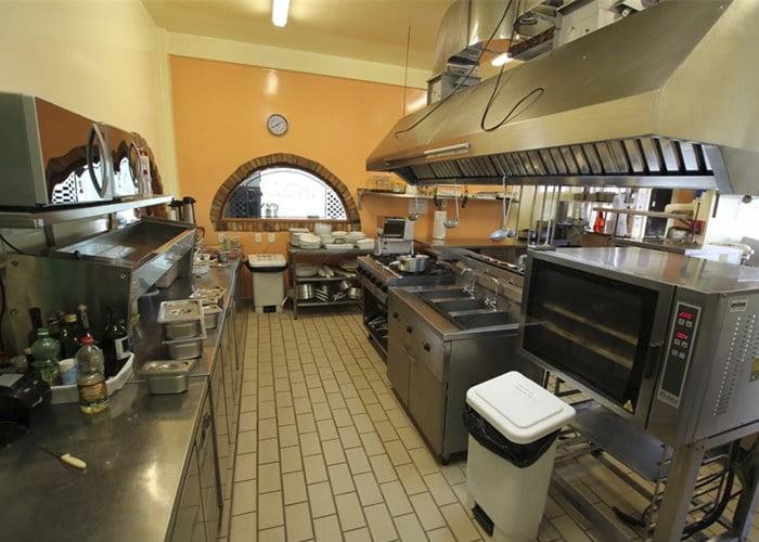 Como montar uma cozinha de pizzaria