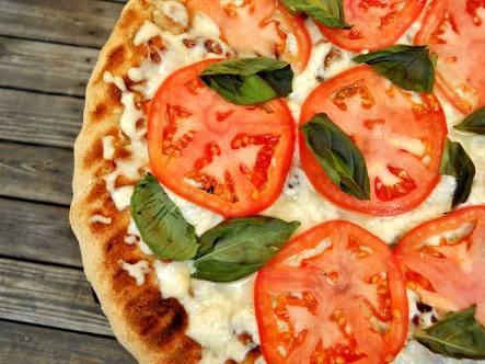 O que vai na pizza marguerita