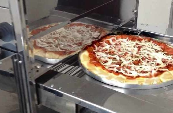 Como assar pizza no forno de esteira para assar pizza